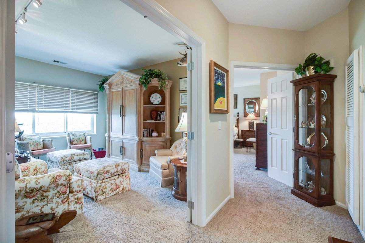 towers-normandale-lake-condos-8301-creekside-dr-bloomington-760-12
