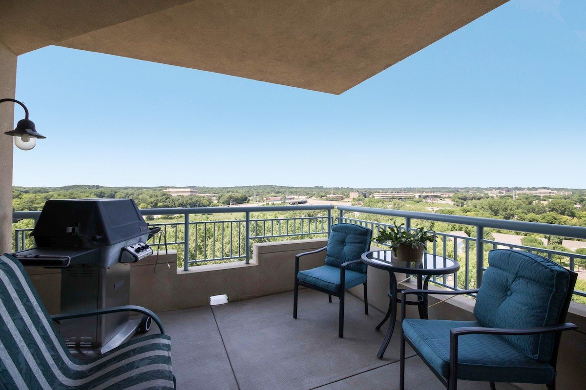 towers-normandale-lake-condos-8301-creekside-dr-bloomington-760-26