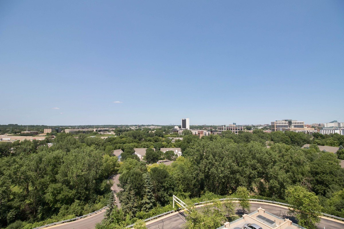 towers-normandale-lake-condos-8301-creekside-dr-bloomington-760-27