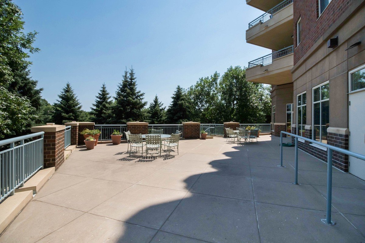 towers-normandale-lake-condos-8301-creekside-dr-bloomington-760-29