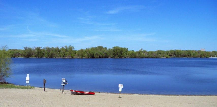 <span>Cedar Lake Cape:</span>  2201 Glenhurst Rd