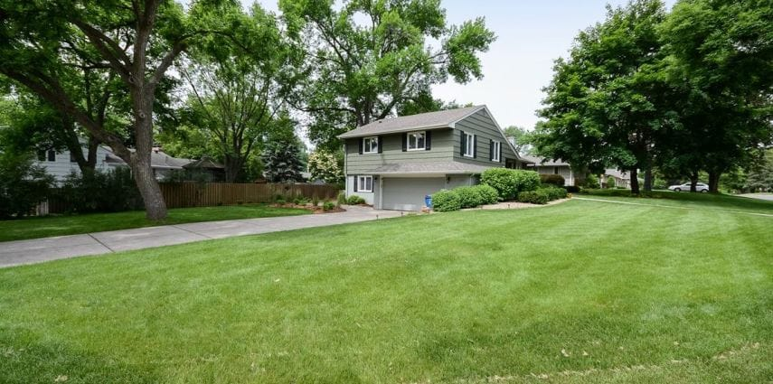 Serene Split: <span>4405 Dunham Dr</span> in Edina