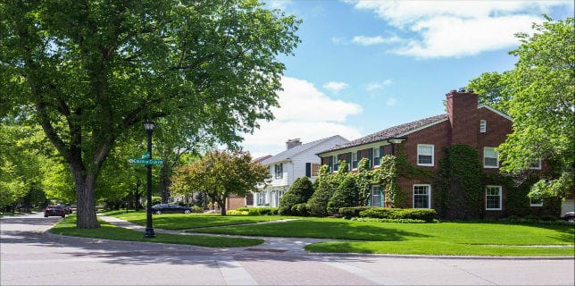 country-club-neighborhood-edina-street