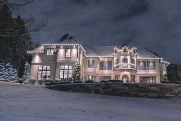 edina-neighborhood-holiday-lighting
