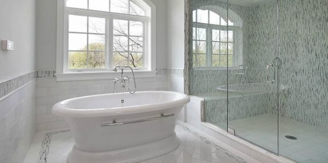 elegant-soaking-tub