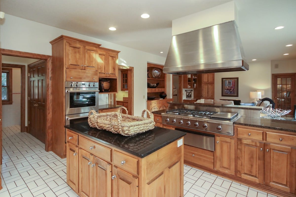 indian-hills-edina-homes-for-sale-6624-iroquois-7