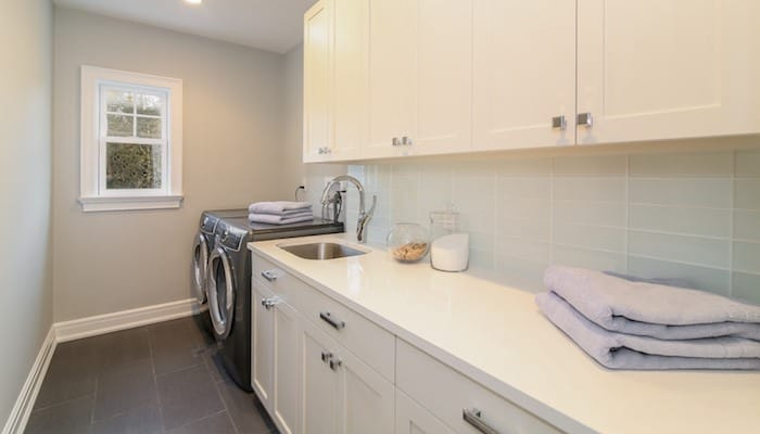 luxury-home-laundry-real-estate